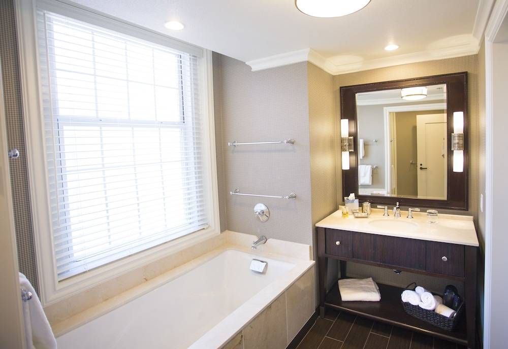 Bathroom, The Atherton Hotel At OSU