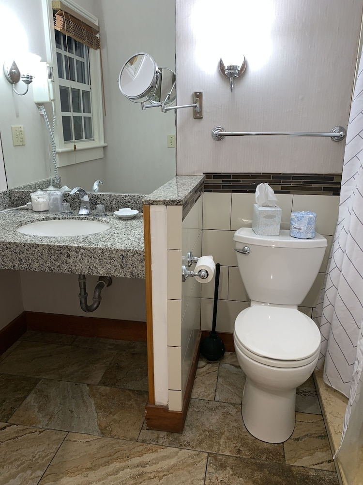 Bathroom, Heron House Court - Adult Only