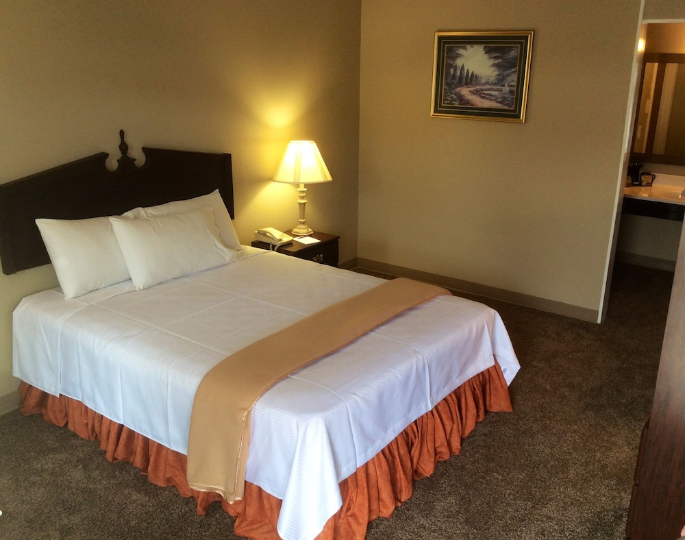 Room, Pearl on the Concho SureStay Collection by Best Western