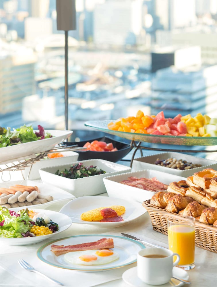 Breakfast buffet, The Royal Park Hotel Iconic Tokyo Shiodome