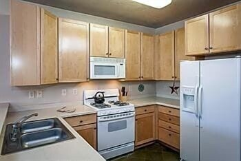 Private Kitchen, Crestview Condominiums by All Seasons Resort Lodging