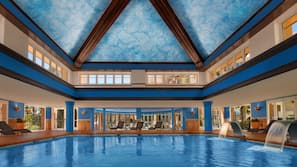 2 indoor pools, 3 outdoor pools, pool loungers