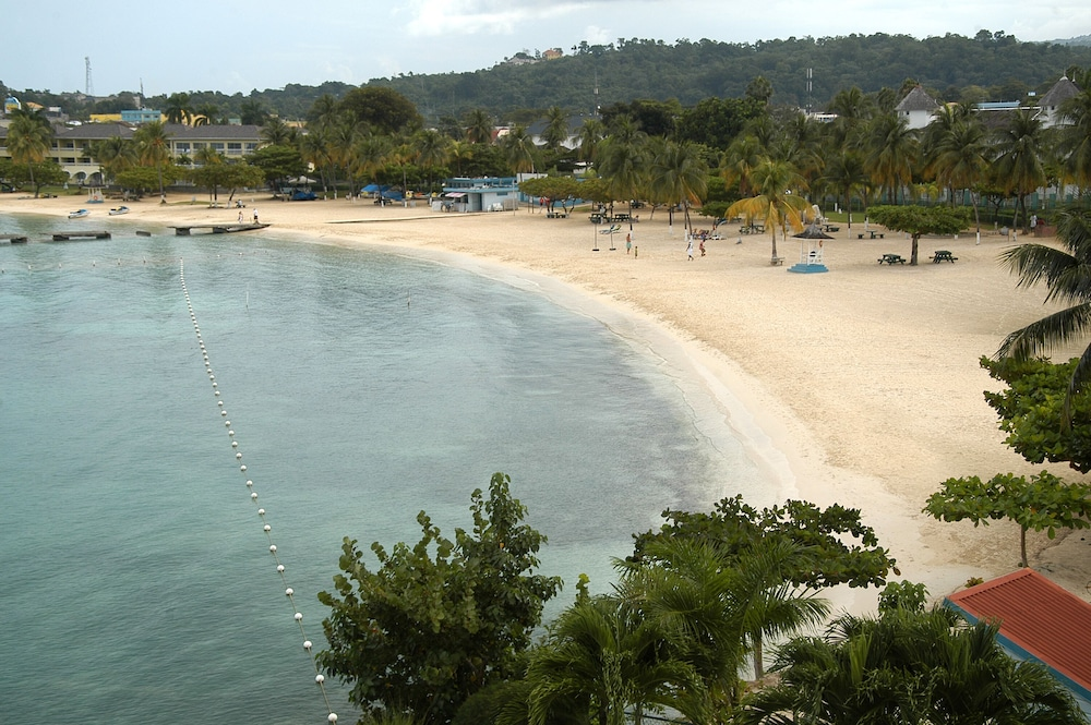 Beach, Fisherman's Point Resort