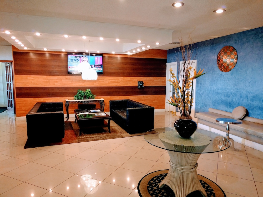 Lobby, Red Carpet Inn Airport/Cruiseport