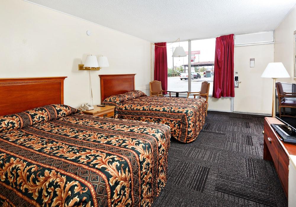 Red Carpet Inn Louisville Reviews Photos Amp Rates