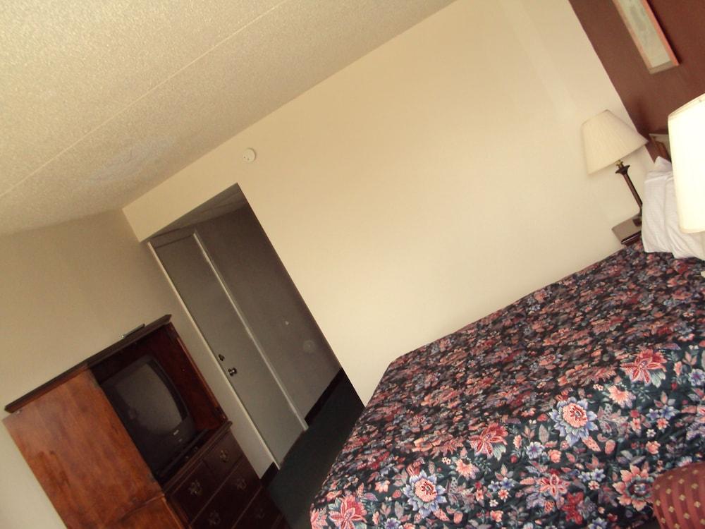 Red Carpet Inn And Fantasuite Hotel Indianapolis Room