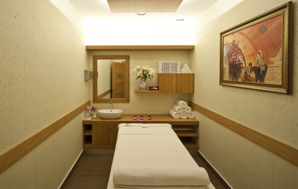 Spa Treatment, GLK PREMIER Acropol Suites & Spa