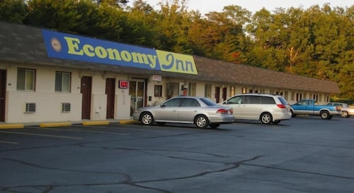 Great Place to stay Economy Inn Crossville near Crossville