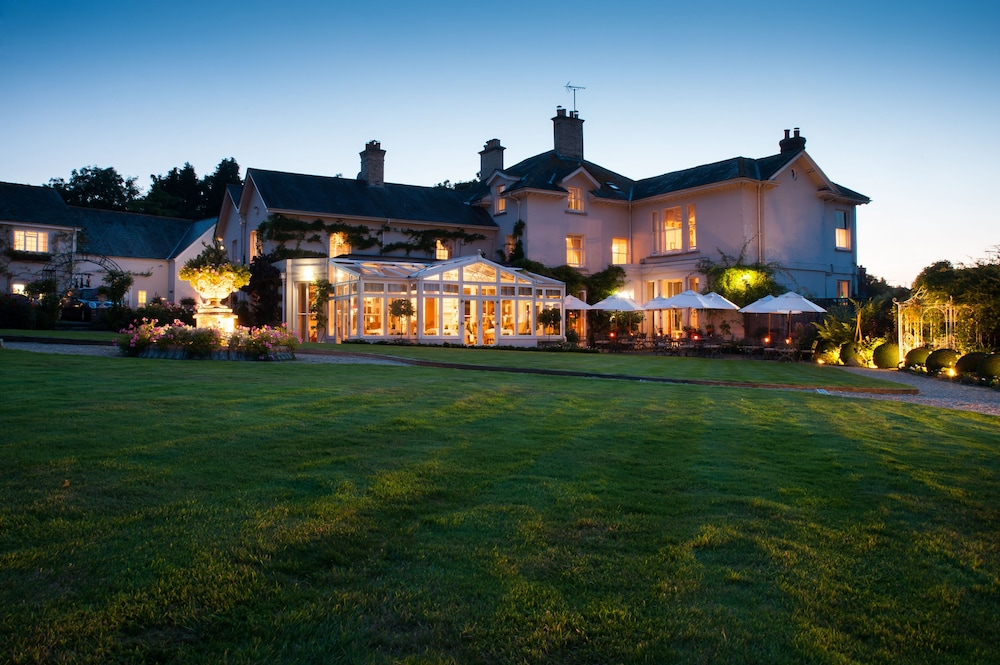 Front of Property - Evening/Night, Summer Lodge Country House Hotel