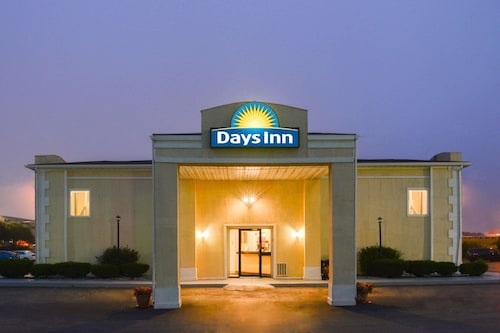 Days Inn by Wyndham Indianapolis East Post Road