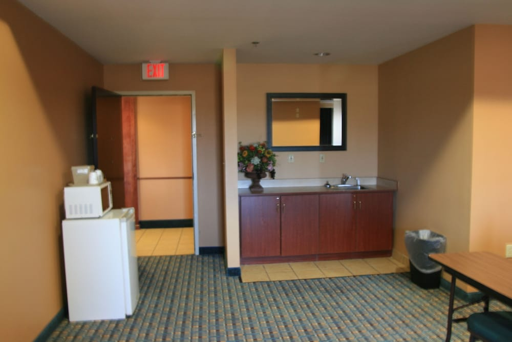 Business Center, Microtel Inn & Suites by Wyndham Starkville