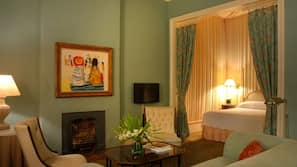 Egyptian cotton sheets, in-room safe, individually furnished, desk