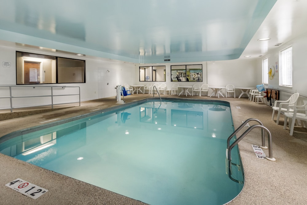 Indoor Pool, Sleep Inn & Suites Allendale
