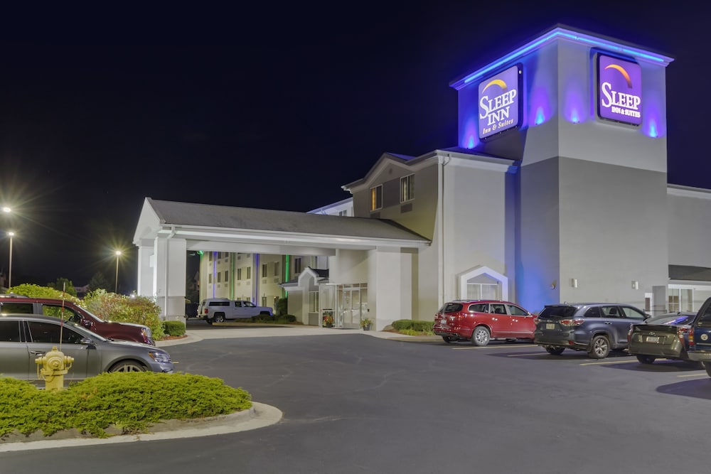 Front of Property - Evening/Night, Sleep Inn & Suites Allendale