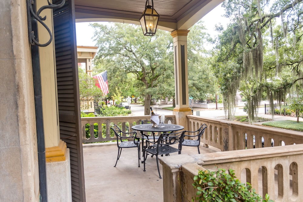 Porch, The Gastonian, Historic Inns of Savannah Collection