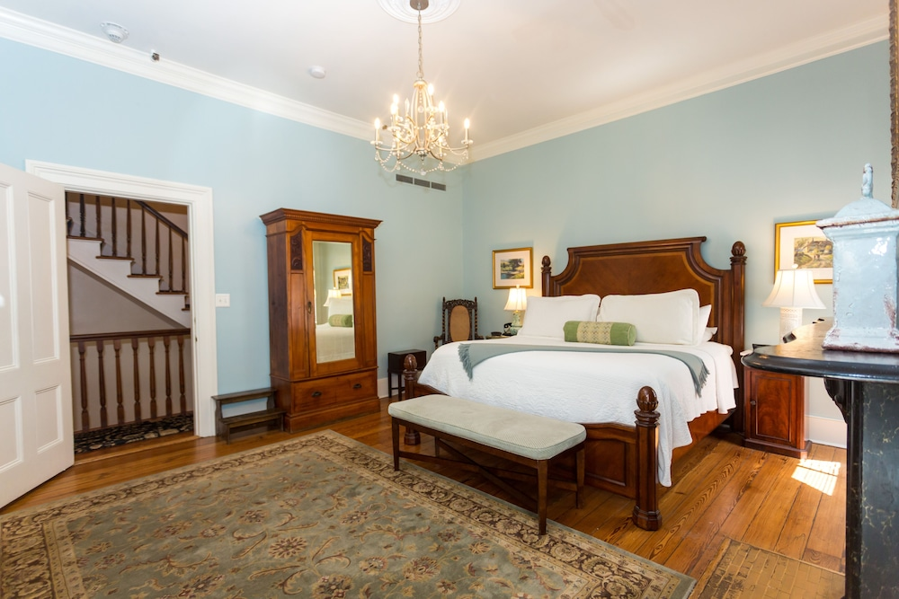 Room, The Gastonian, Historic Inns of Savannah Collection