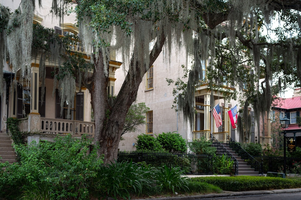 Exterior, The Gastonian, Historic Inns of Savannah Collection