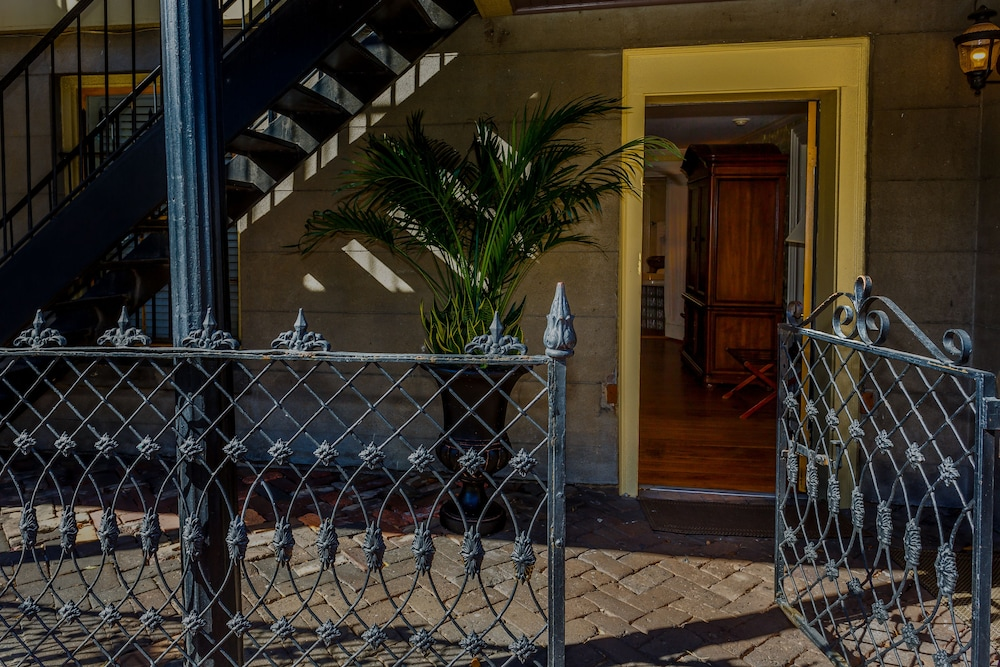 Terrace/Patio, The Gastonian, Historic Inns of Savannah Collection