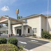 Super 8 by Wyndham Chatsworth/Dalton