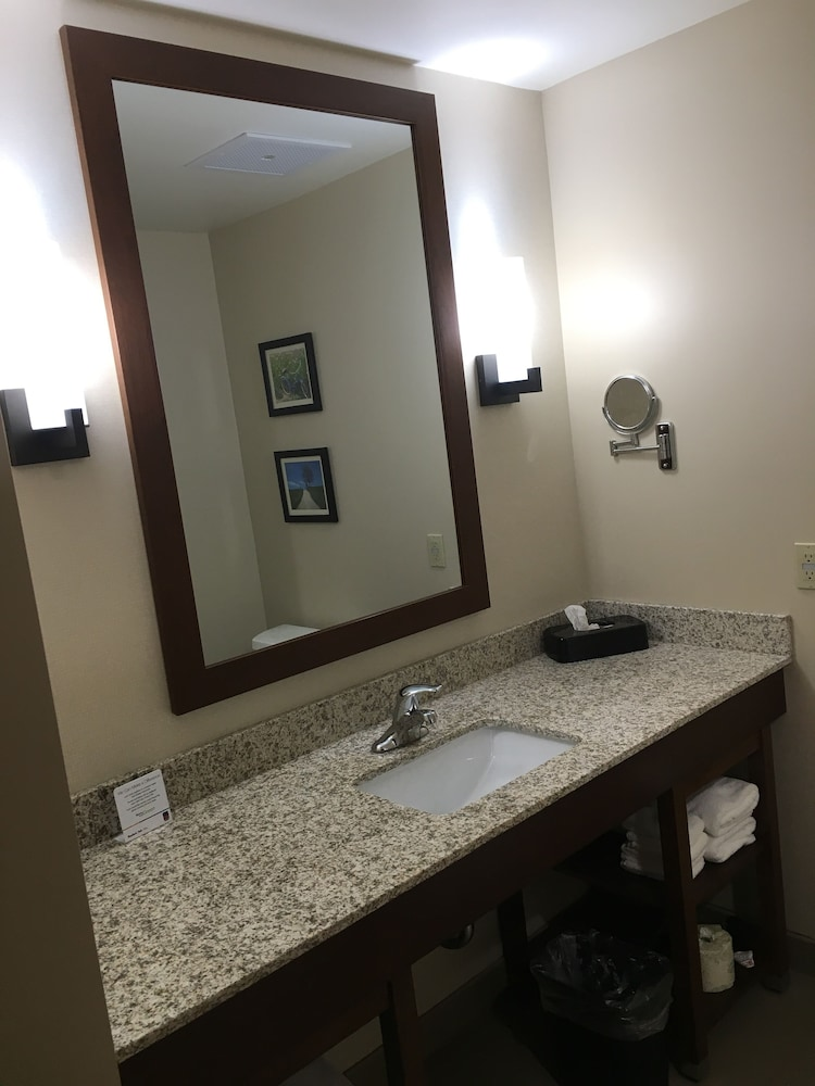 Bathroom, Comfort Suites Hotel and Conference Center