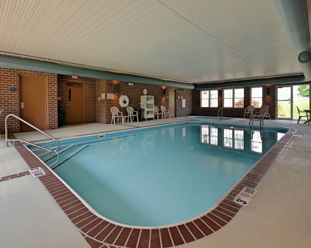 Indoor Pool, Comfort Suites Hotel and Conference Center