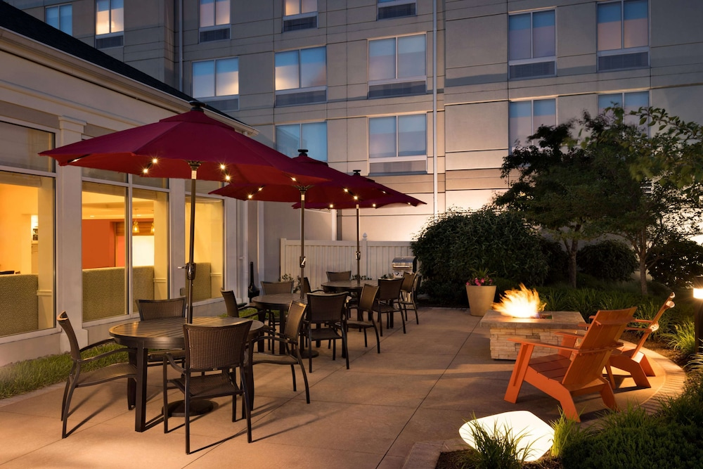 Terrace/Patio, Hilton Garden Inn Wilkes Barre