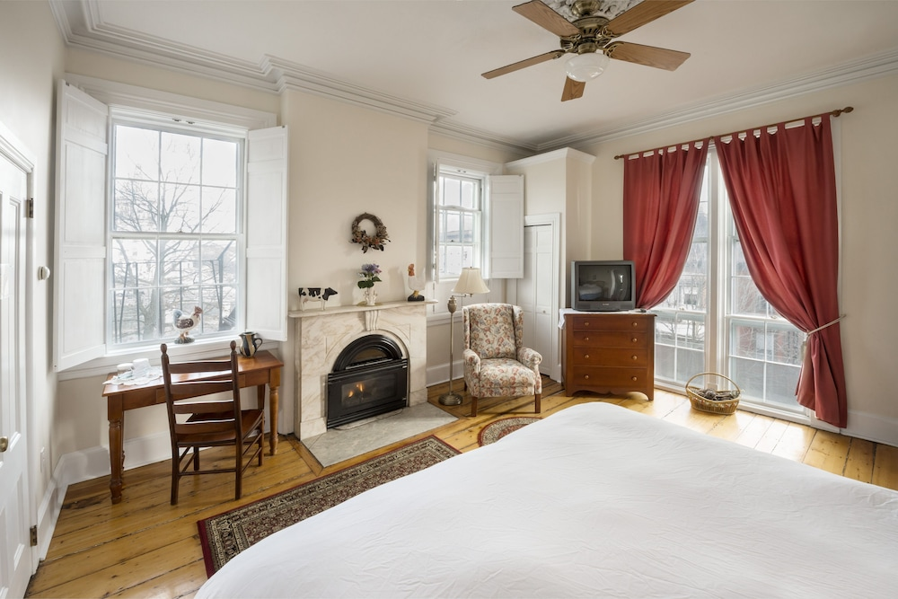 Room, Christopher Dodge House
