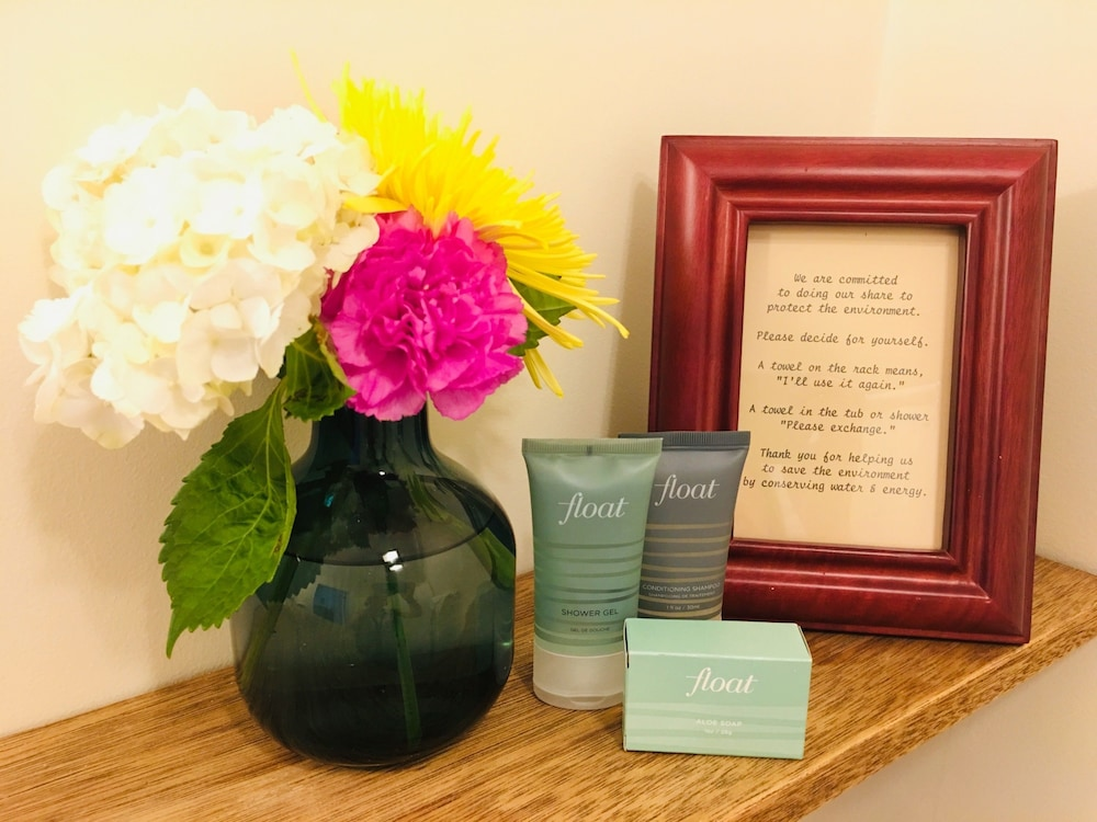Room Amenity, Christopher Dodge House