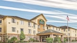 La Quinta Inn & Suites Woodlands South - The Woodlands Hotels