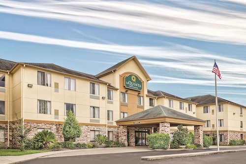 La Quinta Inn & Suites by Wyndham Houston North-Spring