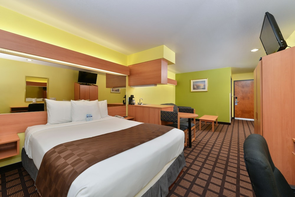 Minibar, Microtel Inn & Suites by Wyndham Ft. Worth North/At Fossil