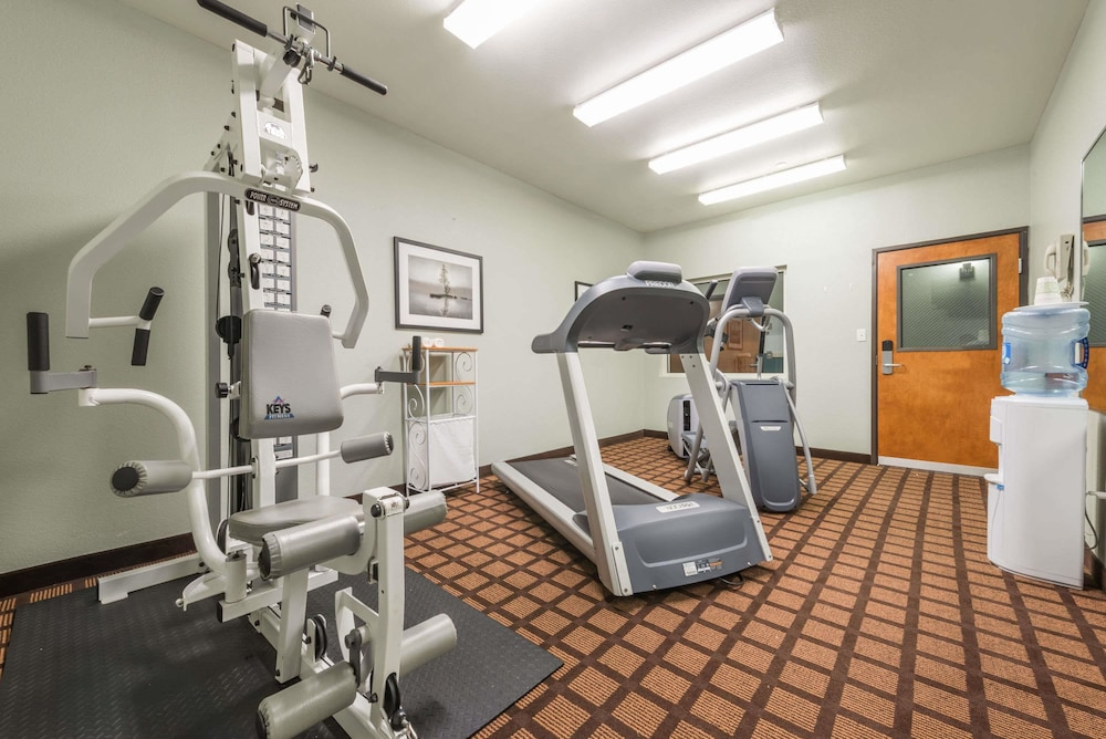 Fitness Facility, Microtel Inn & Suites by Wyndham Ft. Worth North/At Fossil