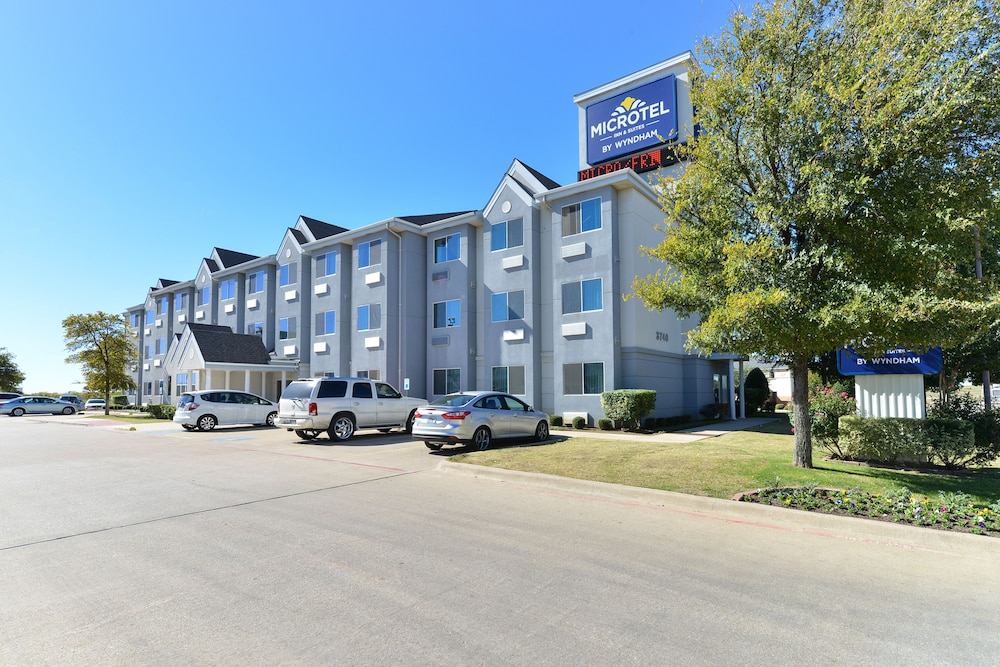 Exterior, Microtel Inn & Suites by Wyndham Ft. Worth North/At Fossil