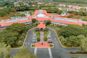 Hodelpa Garden Suites Golf & Convention Center