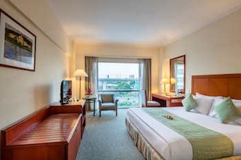 Deluxe Room, 1 Double or 2 Twin Beds - Guestroom