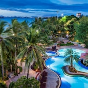 Cholchan Pattaya Beach Resort