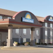 Days Inn & Suites by Wyndham Thunder Bay