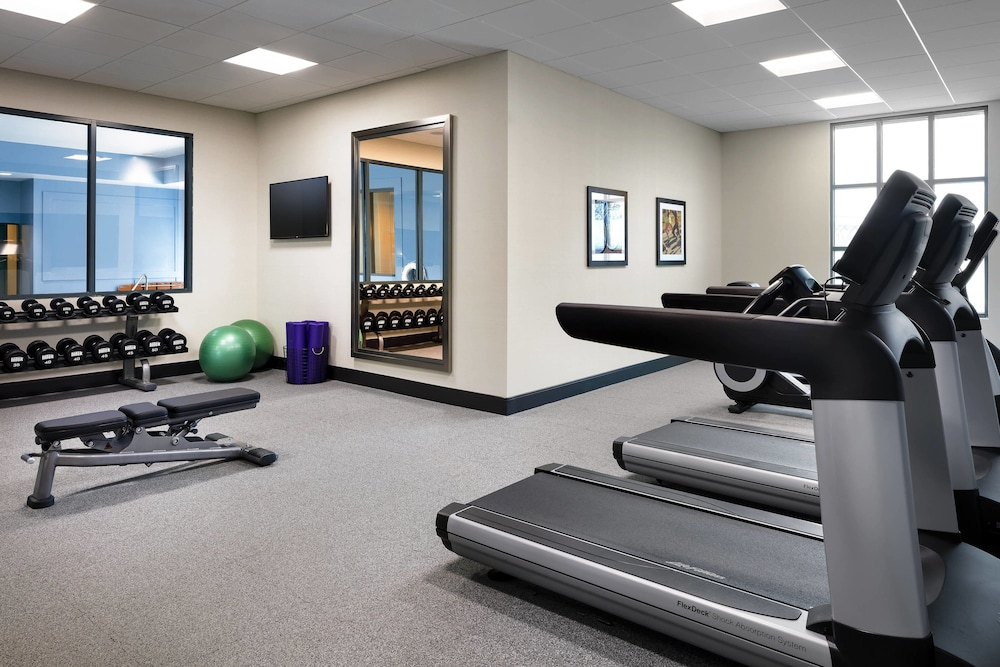 Sports Facility, Four Points by Sheraton Cincinnati North