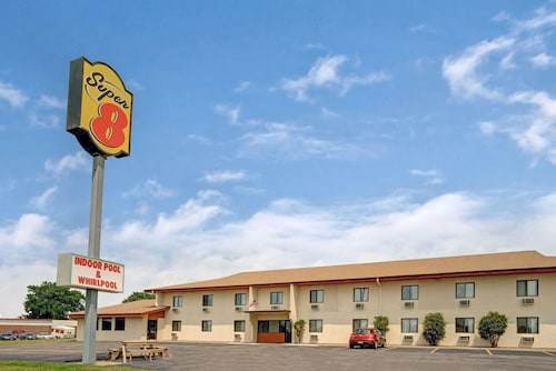 Super 8 by Wyndham Buffalo