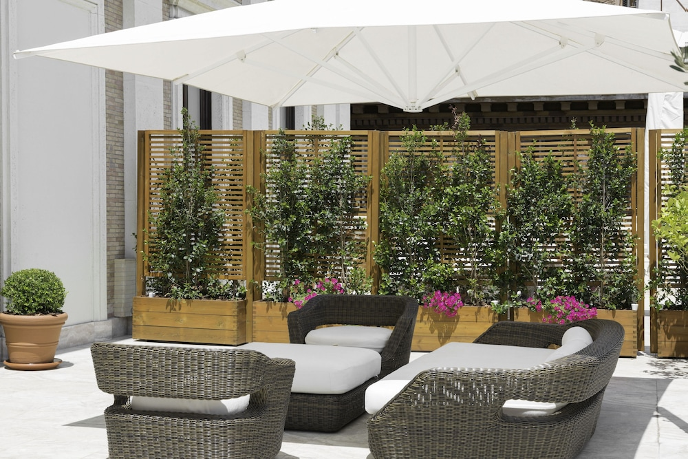 Terrace/Patio, Aleph Rome Hotel Curio Collection by Hilton
