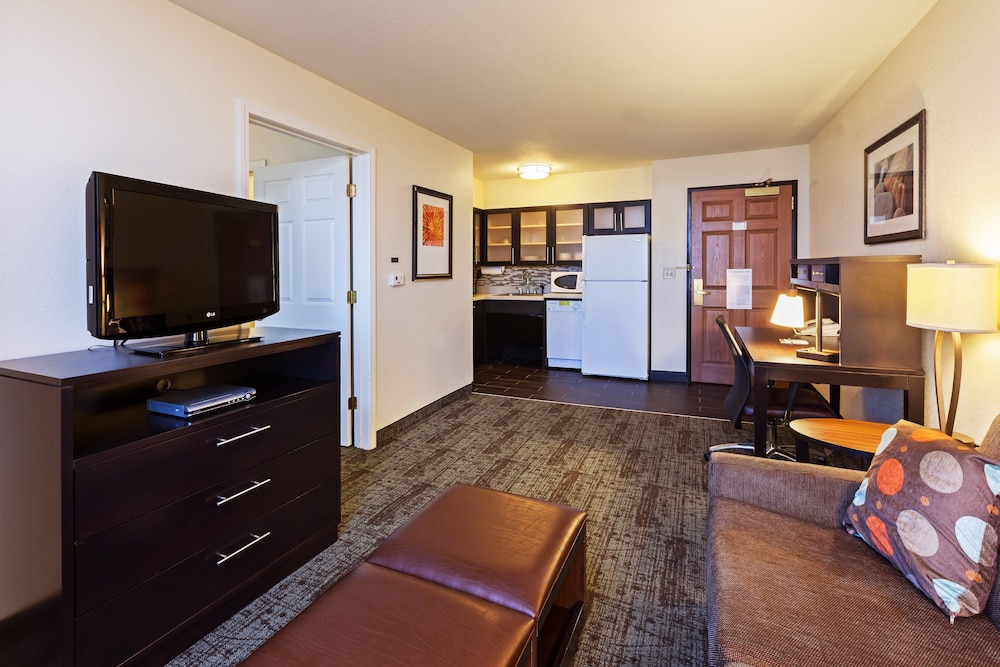 Room, Staybridge Suites Woodland Hills, an IHG Hotel