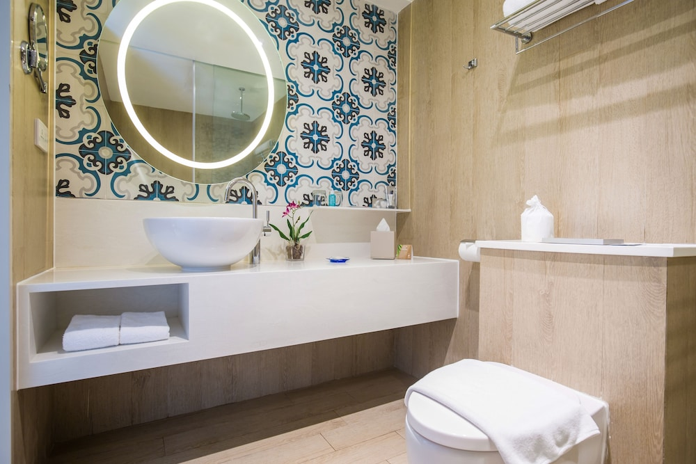 Bathroom, Village Hotel Katong by Far East Hospitality (SG Clean)