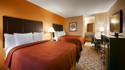 Check Expedia for Availability of Best Western Lake Conroe Inn