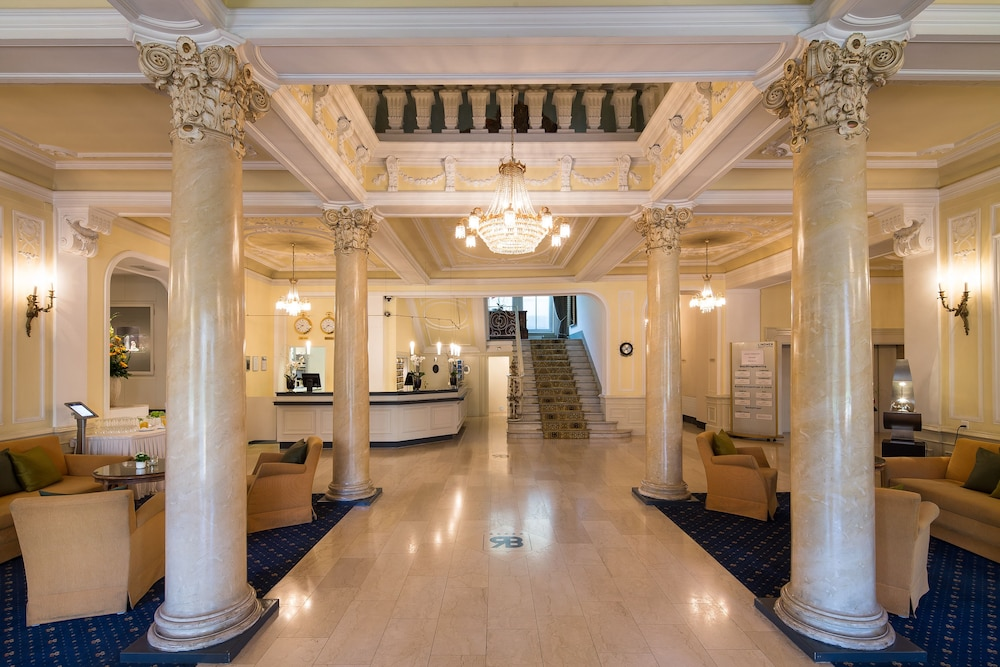 Save big on hotel room rates for Beau Rivage, Biloxi. Book online now or call our reservations desk.