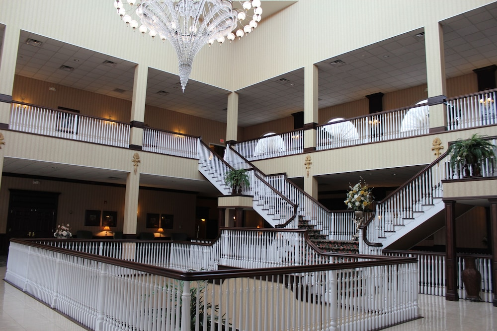 Lobby, The Inn And Spa At East Wind