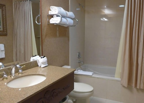 Bathroom, The Inn And Spa At East Wind