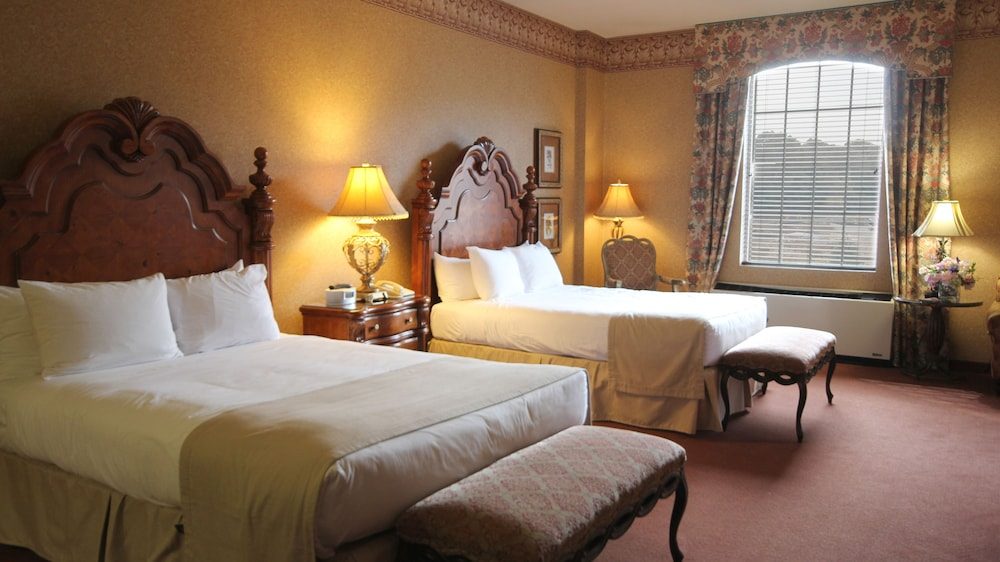 Room, The Inn And Spa At East Wind