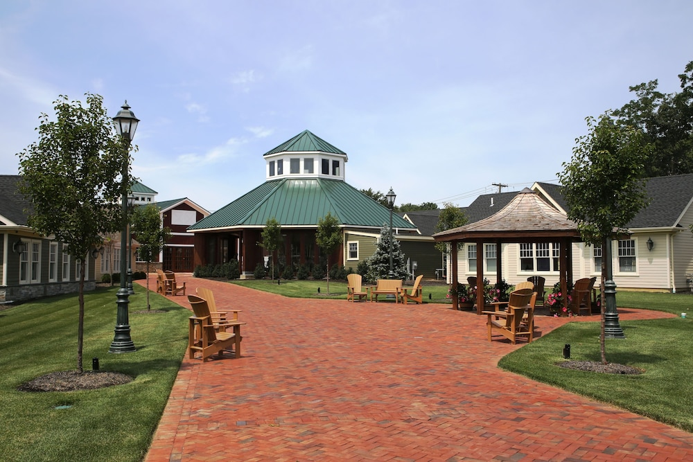 Property Grounds, The Inn And Spa At East Wind