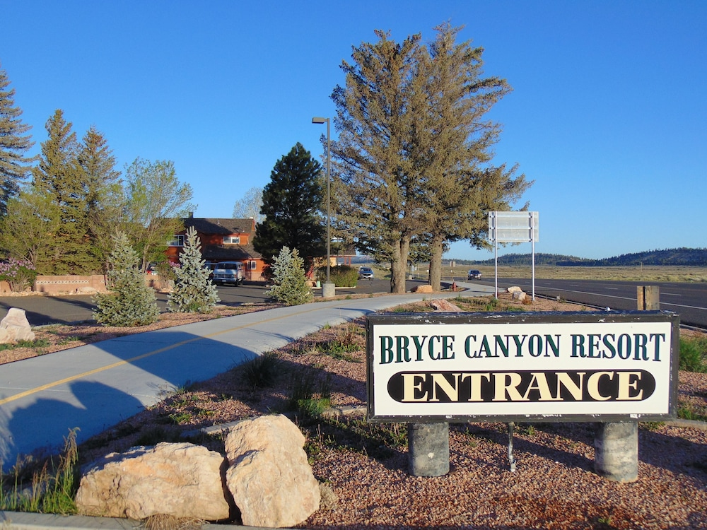 Property Entrance, Bryce Canyon Resort