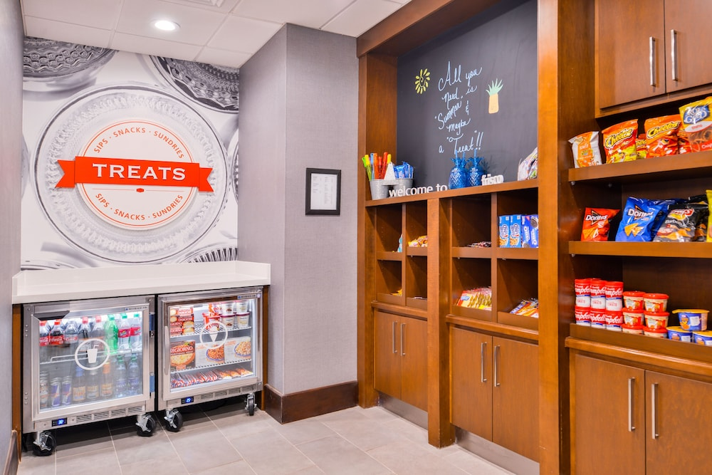 Snack Bar, Hampton Inn & Suites Legacy Park-Frisco